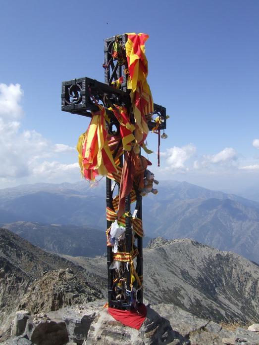 La croix au sommet du Pic du Canigou